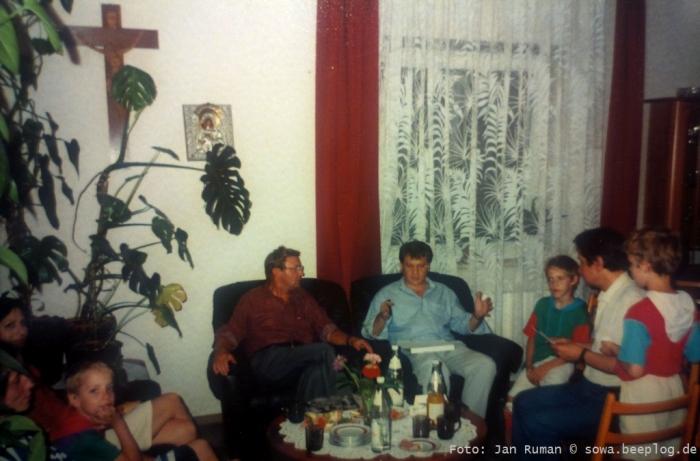 ks. Stawny z prawej z dziecmi od l. Jedrzejczak, ks. Mrowiec, red. Kosiewski PMK Wuerzburg foto Jan Ruman