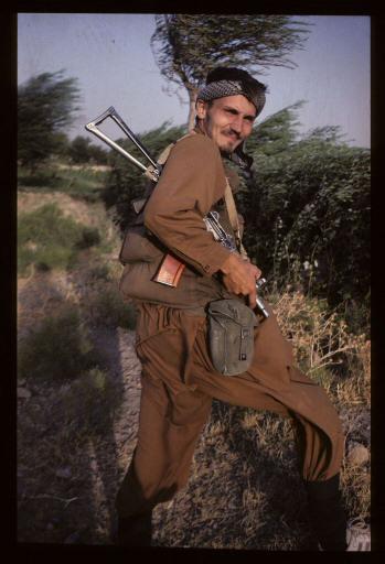 sikorski-afganistan-mudzahedin-discovery-512