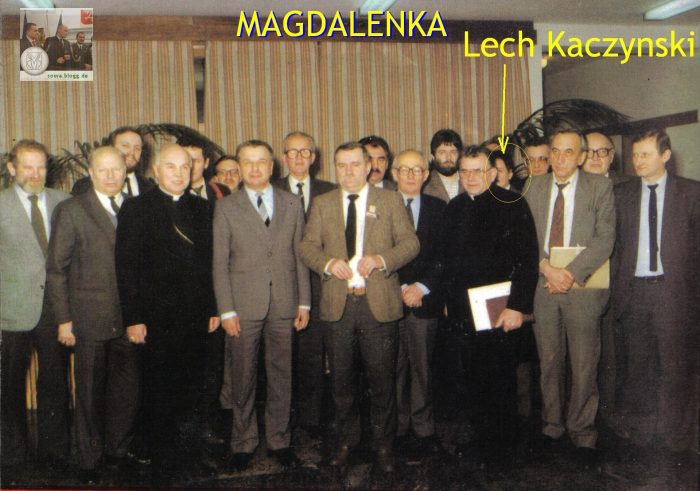 Protestujemy przeciwko wycinaniu z tzw. życia politycznego ludzi niewygodnych w Polsce dla kryptosyjonizmuKaczyńskiego