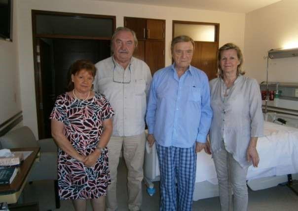 Rosalia Martinez z l.  Andrzej Zablocki z zona , wizyta u  Jan Kobylanski w szpitalu