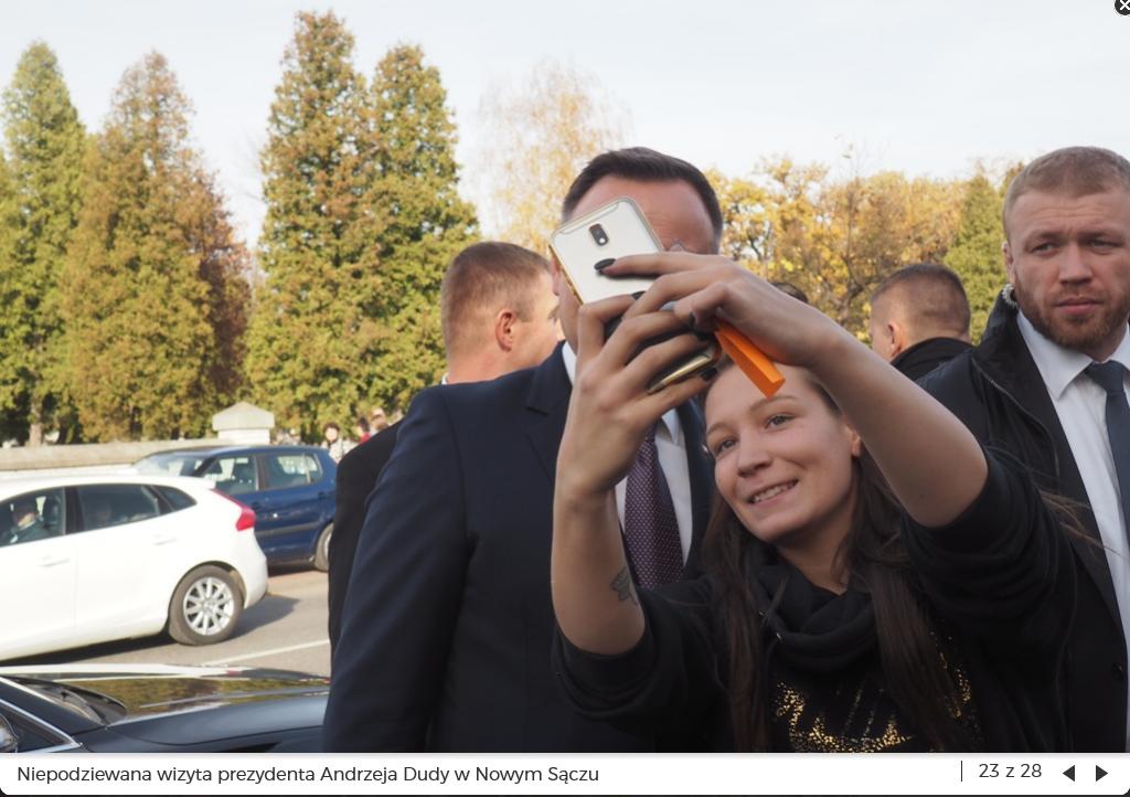 Screenshot_2018-11-01 Ludzi po prostu zamurowało Prezydent Duda szedł sobie po chodniku w Nowym Sączu